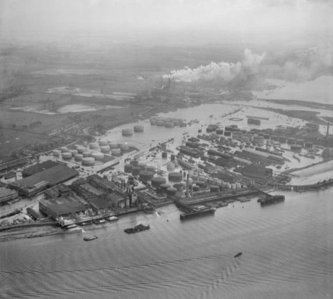 Flooding at the Esso Petroleum Co Ltd Terminal, Purfleet, from the south-west, (1953)
